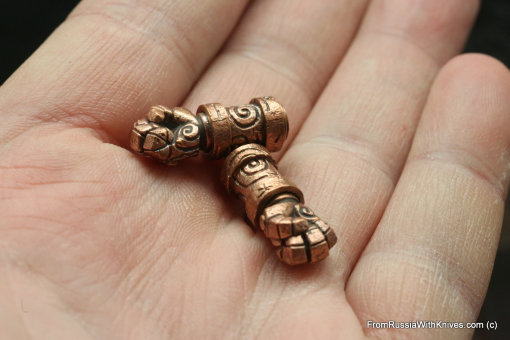 Bronze pair of mini-beads Hellboy Fist 39.1